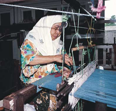 making-songket.jpg
